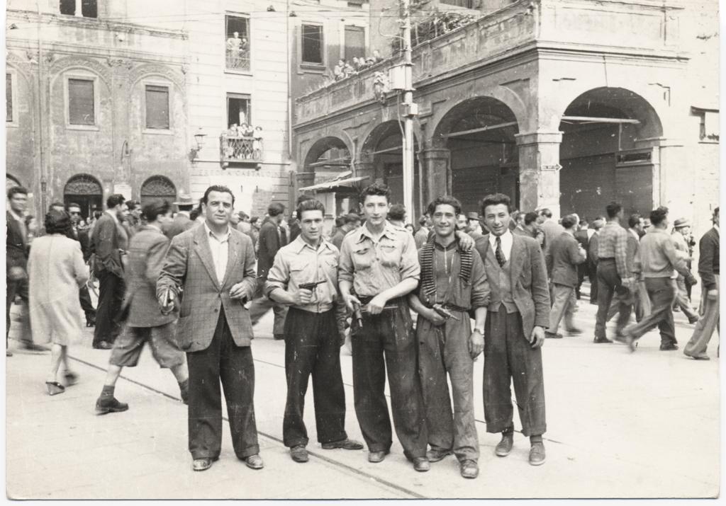liberazione-bologna-piazza-porta-ravegnana