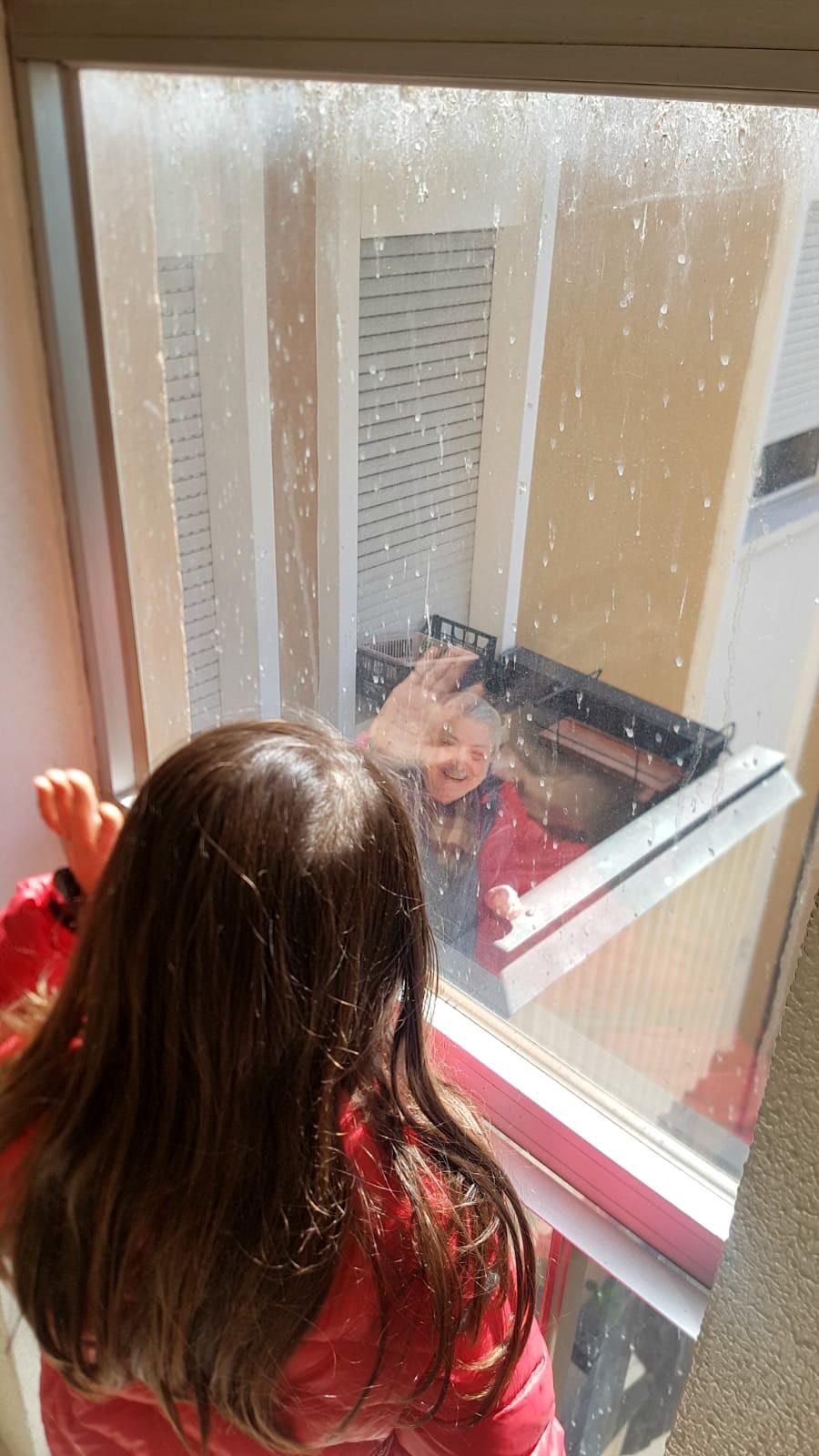 saluti-dalla-finestra