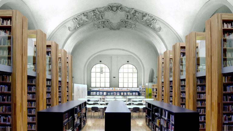 A spasso per biblioteche: Biblioteca Delfini di Modena