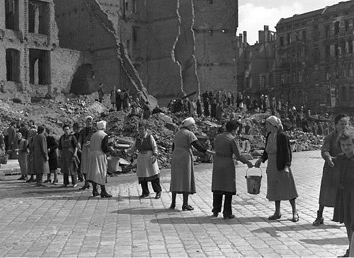 Dopo ogni guerra, ovvero la fine e l'inizio in una poesia di Wisława Szymborska